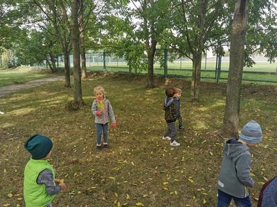 Galeria Pajacyki-spacer do parku